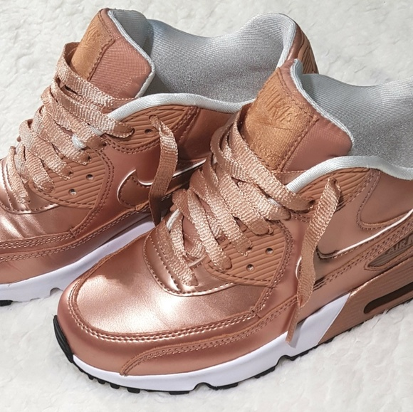00e393990d9c Nike Air Max 90 Youth Rose Gold Sneakers. M 5bfae578d6dc521de97b7fd7